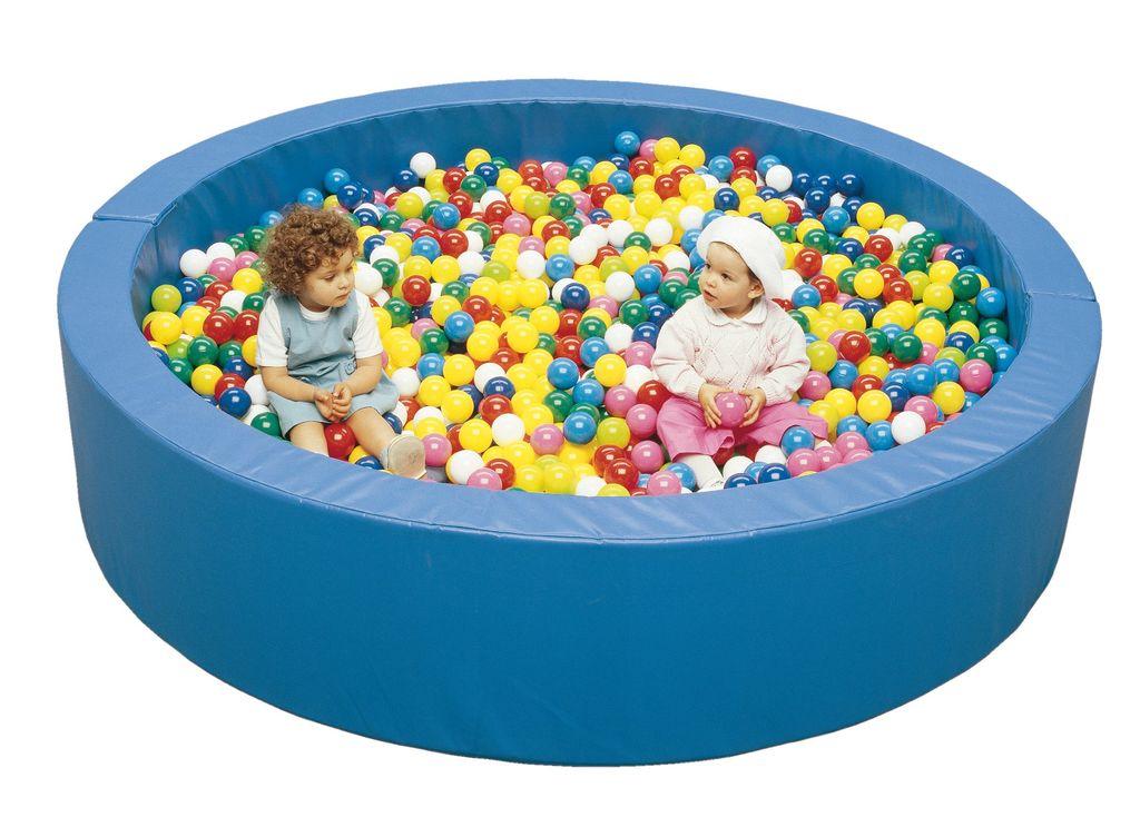 Biga srl industria arredi scolastici piscina box maxi for Amazon piscina con palline